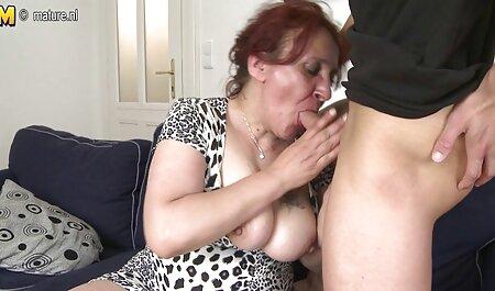 Avena Lee deutsche kostenlose sexvideos zeigt ihre geilen Titten am Pool und wird von einem großen Schwanz gefickt