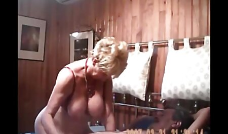 Mofos gratis amateursexfilme - Dünne junge Brünette Stacy Snake reibt sich