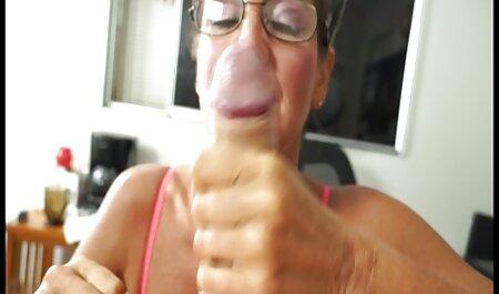 Latex deutsche sexflme Schlampe mit großen Titten bekommt ihre Stiefel geleckt