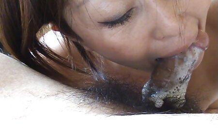 Kansas College Girl auf Vacaction Piercing Nippel freie deutsche sexfilme