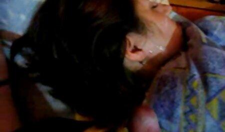 Sarah Young - Heißer Lesbenfick deutsche sexmovies