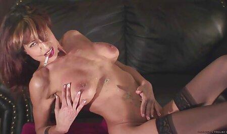 Milf nimmt einen großen sexfilme mit handlung kostenlos Schwanz